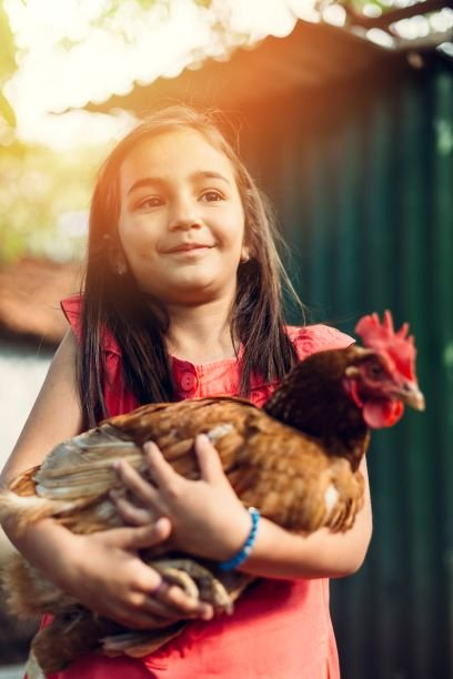 Young_Girl_With_Chicken